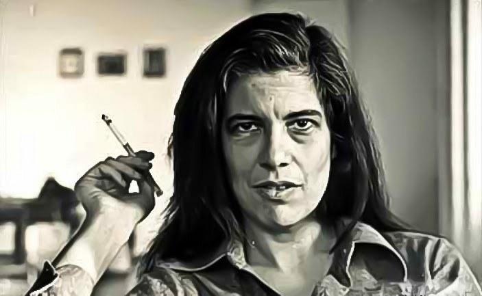 Susan Sontag, autora de Assim Vivemos Agora, A Doença Como Metáfora, entre outros ensaios.