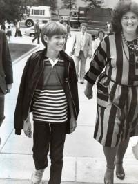 Ryan White e sua mãe, Jeanne, em 1985.